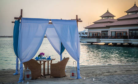2_Anantara-Palm-Dubai_Dining_by_Design_Sunset