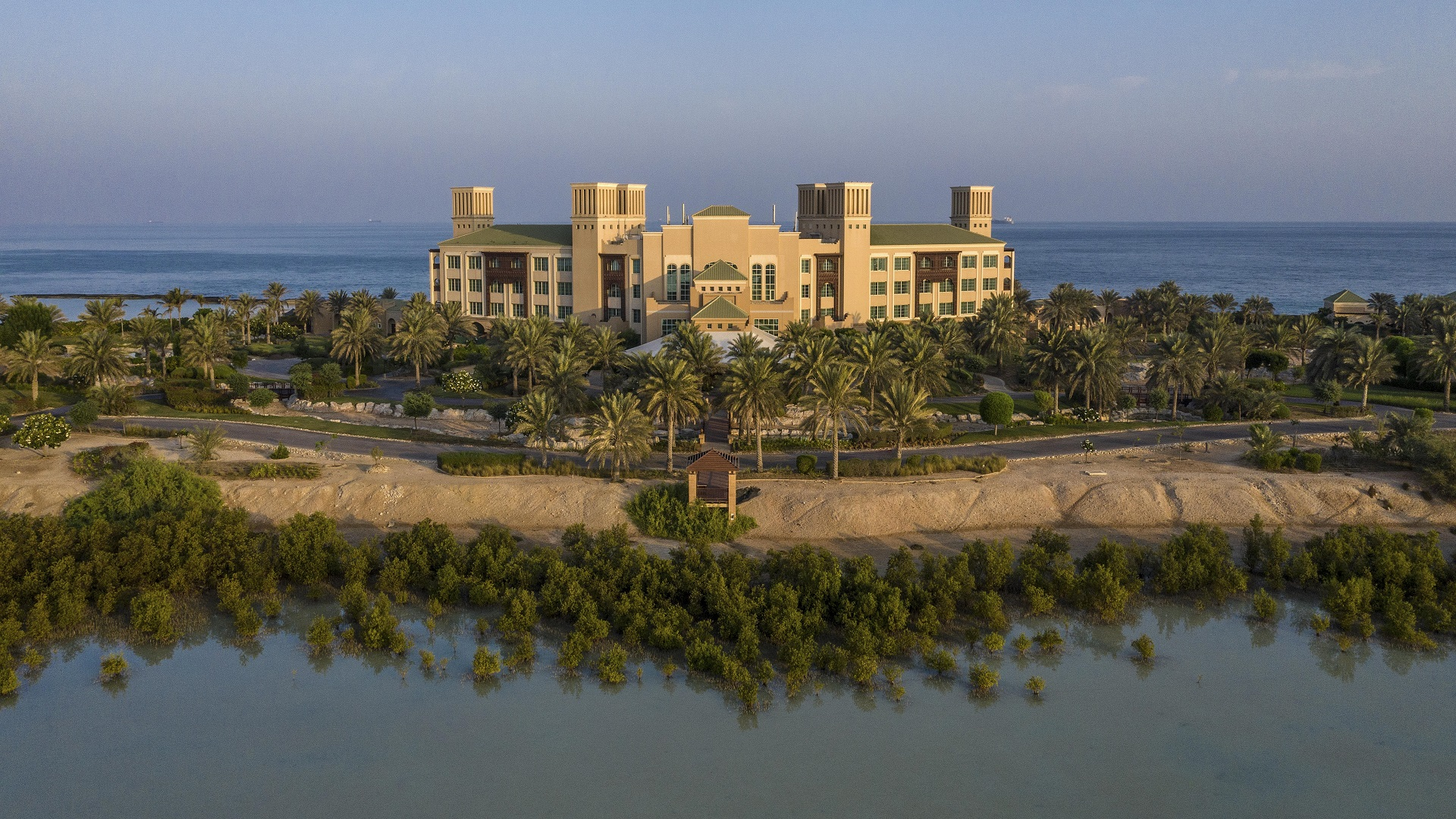 Desert_Islands_Resort_and_Spa_by_Anantara_Exterior_View_Daylight_Aerial 1920*1080