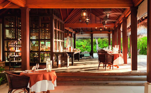 Anantara_Naladhu_Maldives_The_Living_room-Restaurant