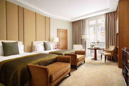 Corinthia-London-Hotel-Family-room
