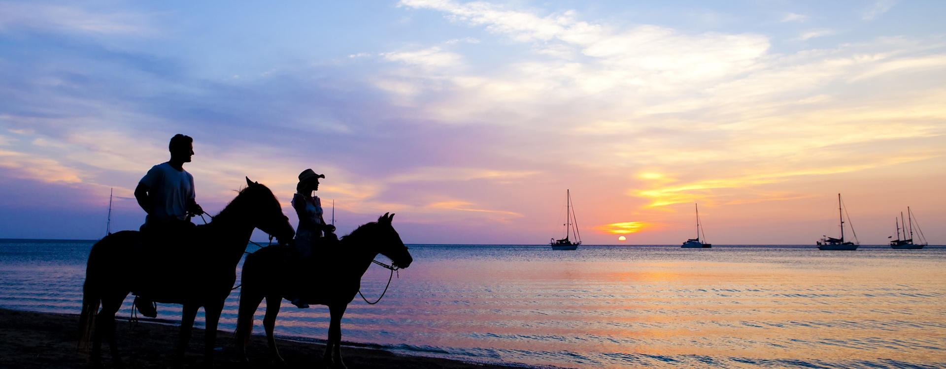 KI-Cabrits_Sunset-beach-Horse-Riding