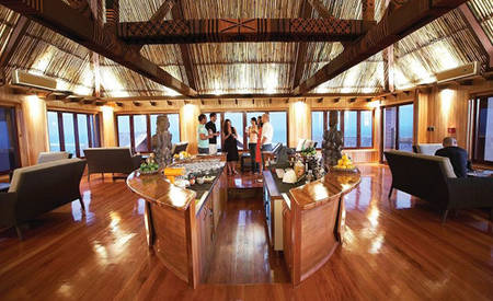 Outrigger-Fiji_Beach_Resort_Kalokalo_Bar