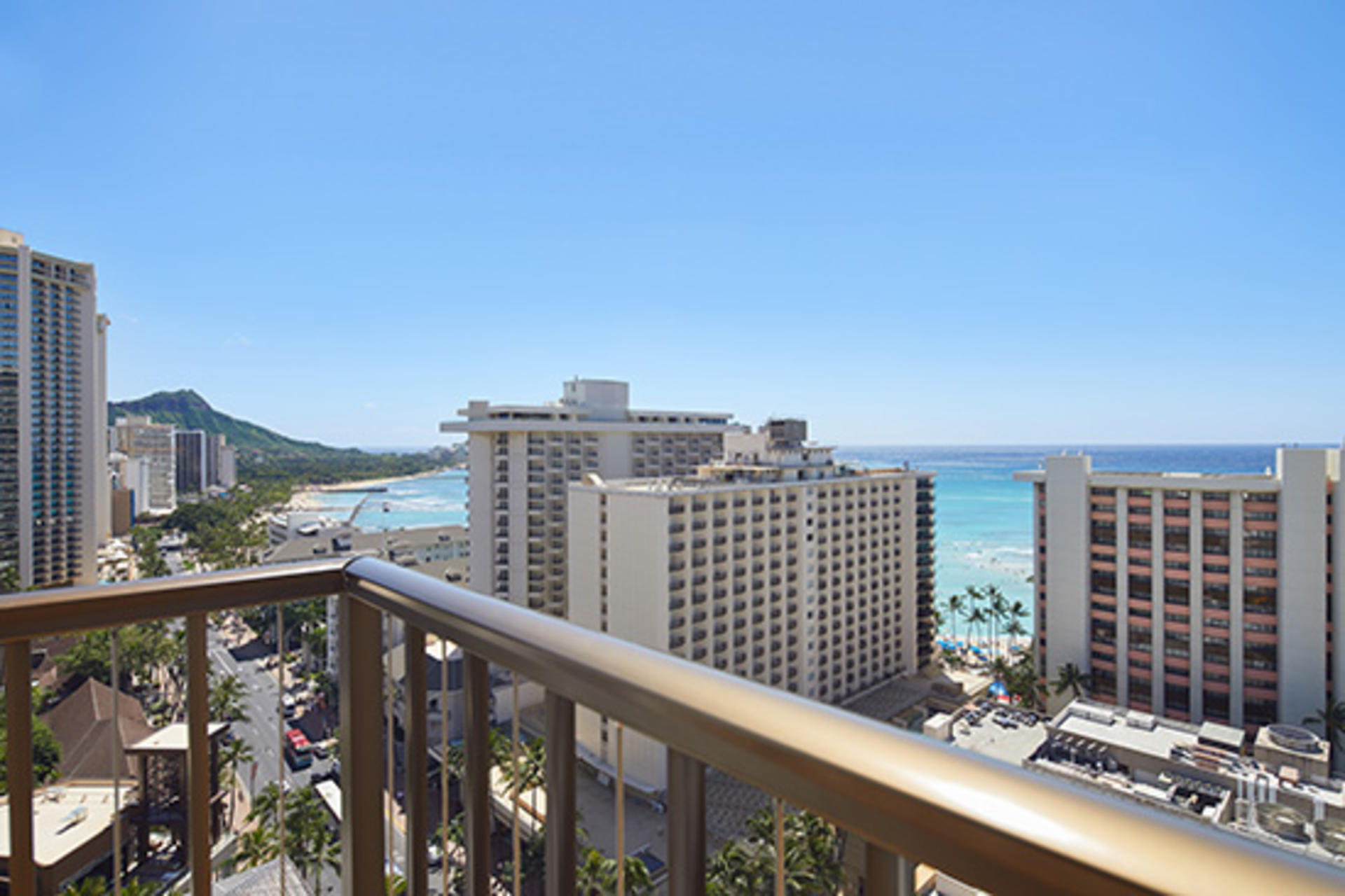 WaikikiBeachcomberbyOutrigger_2OVSteView