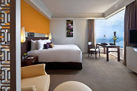 PanPacificHanoi_Premier Lakeview Room King