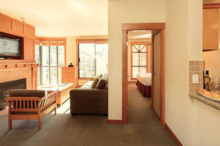 Pan_Pacific_Whistler_Mountainside_Two_Bedroom_Mountain_View
